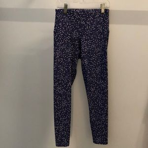 Onzie blue with white stars crop legging, sz S/M